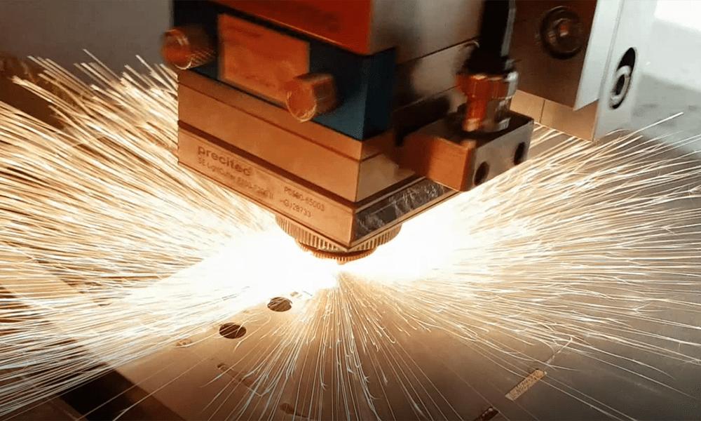 Dlaczego moc lasera ma tak duże znaczenie?