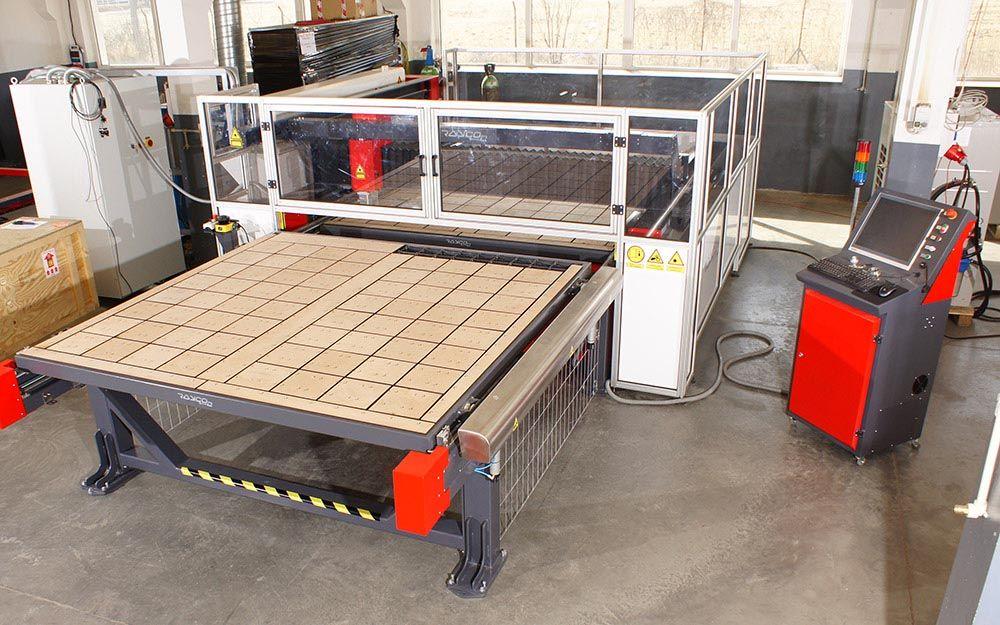 Wycinarka laserowa do cięcia dywanów