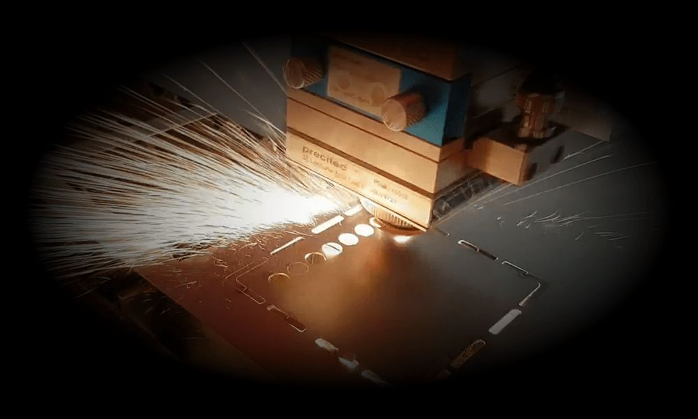 Jak wybrać właściwą maszynę do cięcia laserem?